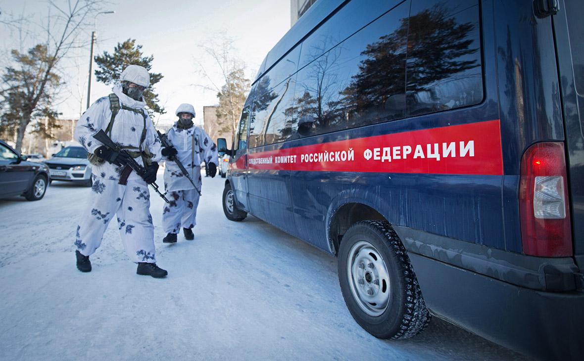 Оперативно-следственная группа у школы№5 в Улан-Удэ