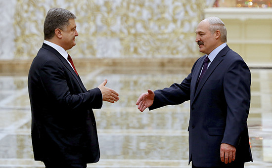 Президент Украины Петр Порошенкоипрезидент Белоруссии АлександрЛукашенко
