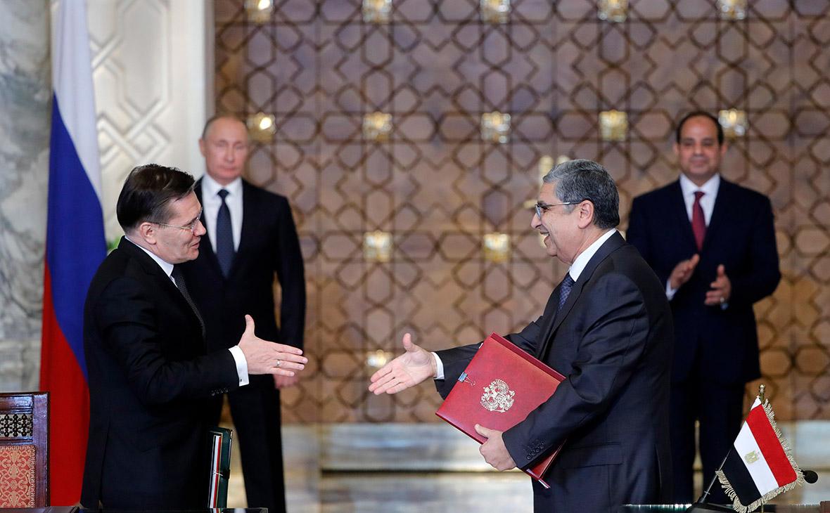 Алексей Лихачев и Мухаммед Шакер во время подписания совместных документов