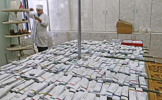 Фасовка лекарств в гомеопатической аптеке