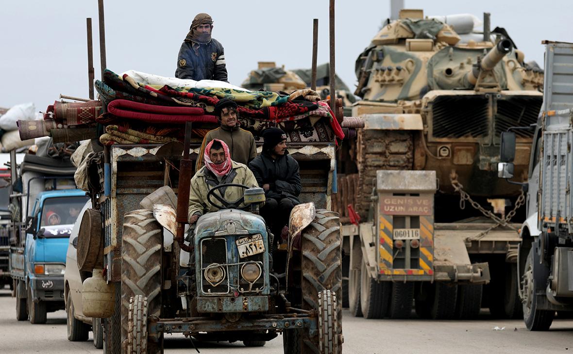 Сирийцы и турецкие войска недалеко от Идлиба