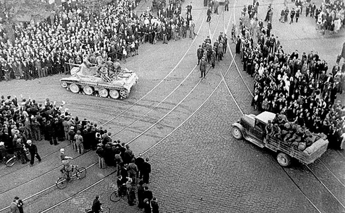 Советские войска вступают в Ригу, 1940 год