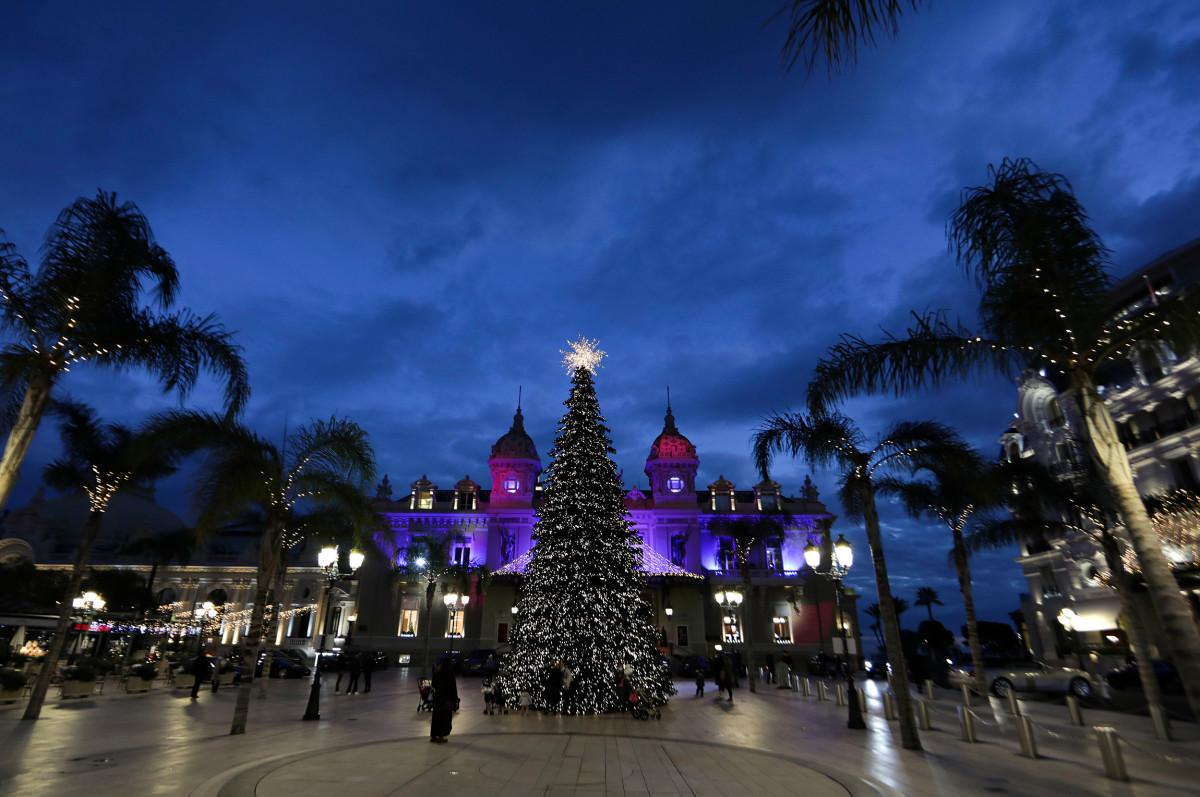 Площадь перед казино Монте-Карло, Монако