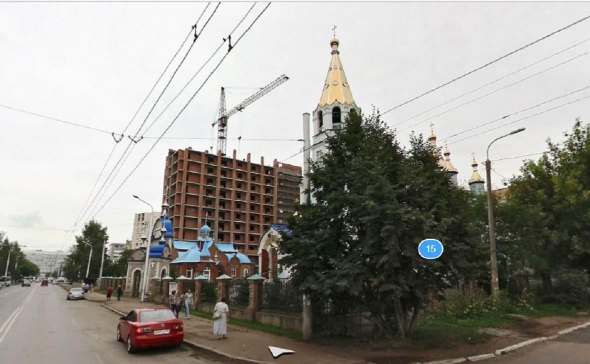 Строящийся дом на территории Богородско-Уфимского храма