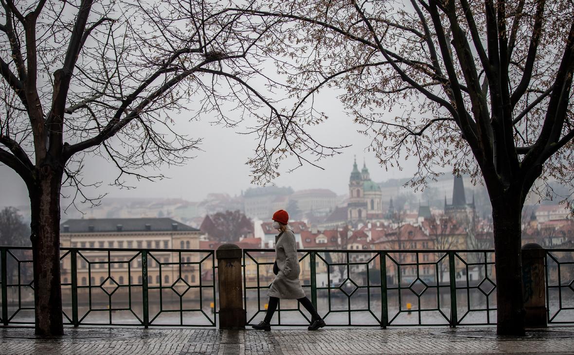 В Чехии продлили режим ЧС из-за коронавируса до конца февраля