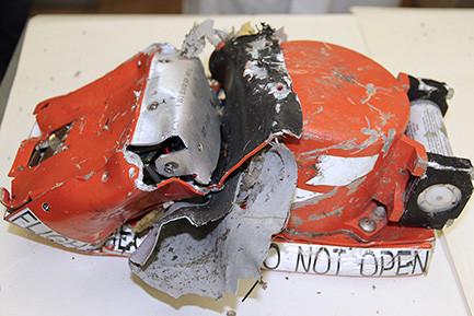 Бортовые самописцы пассажирского самолета Boeing 737-800 авиакомпании flydubai, следовавшего помаршруту Дубай—Ростов-на-Дону