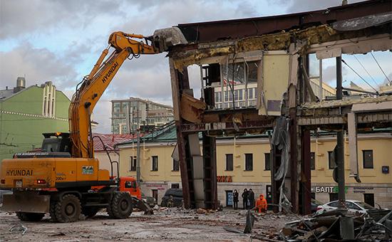 Снос самовольно построенного торгового павильона у метро «Добрынинская»