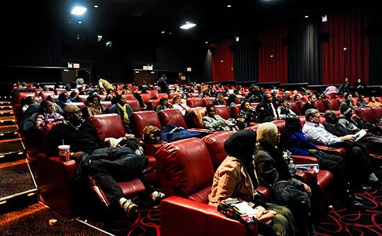 Зал кинотеатра AMC Theatre в Нью-Йорке, США.