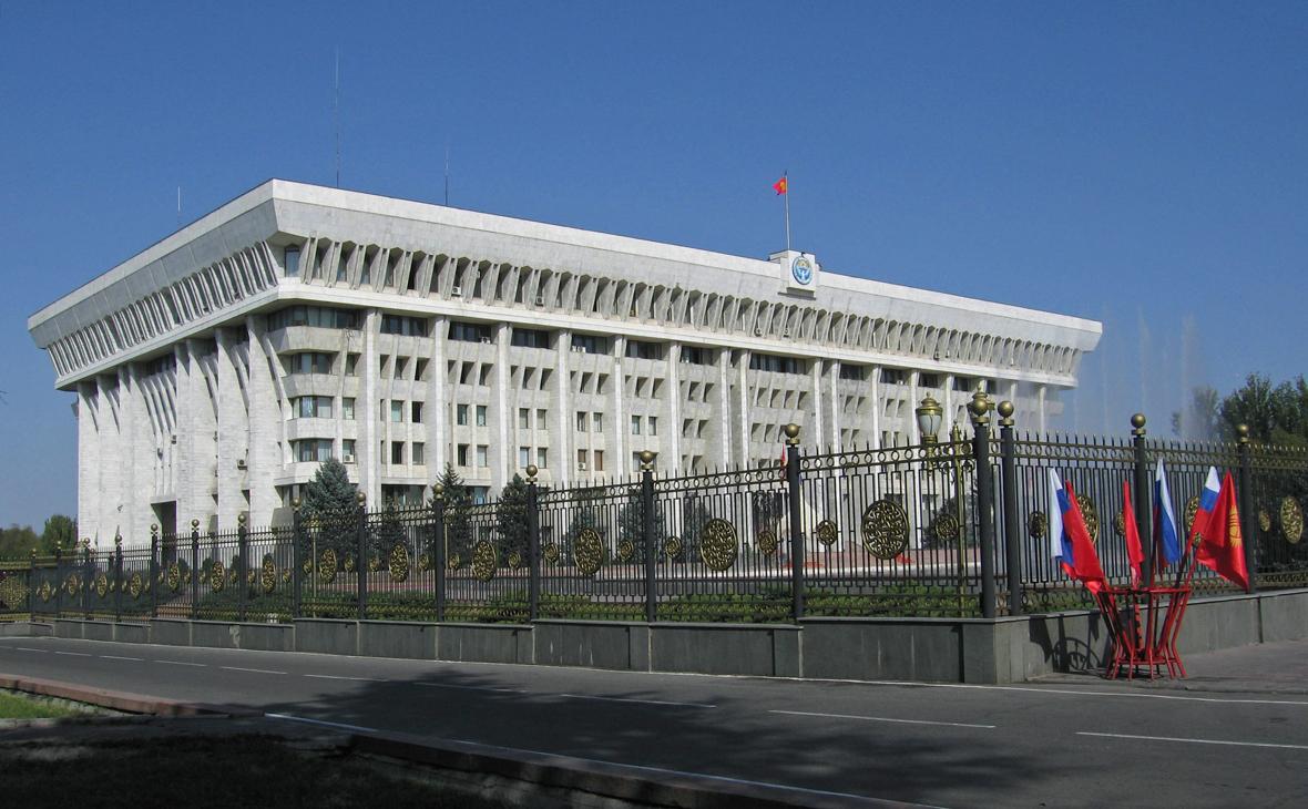 Вид на Дом правительства Киргизии