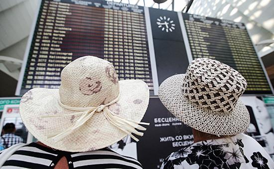 Пассажиры передвылетом водном изаэропортов Москвы, июль 2014 года