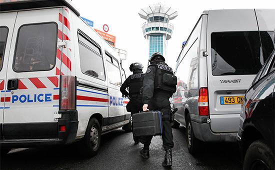 Полиция в аэропорту Орли после инцидента