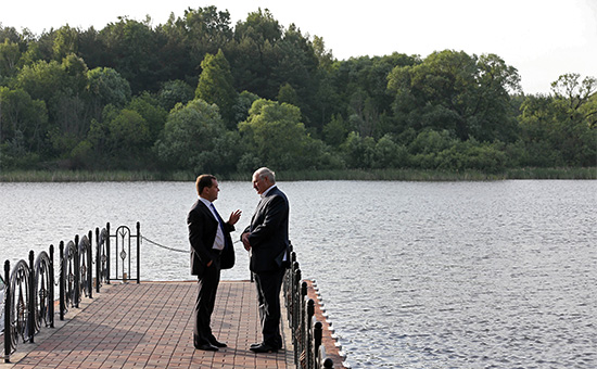 Премьер-министр РФ Дмитрий Медведев ипрезидент Белоруссии Александр Лукашенко