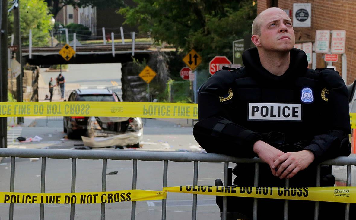 Полицейский на месте происшествия вШарлоттсвиле