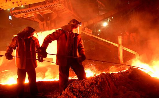 Юбилейная плавка чугуна в доменном цехе Магнитогорского металлургического комбината. 2007 год, Магнитке —75 лет