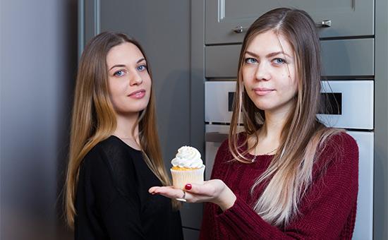 Анна Ковальчук и Мария Ковель (слева направо)