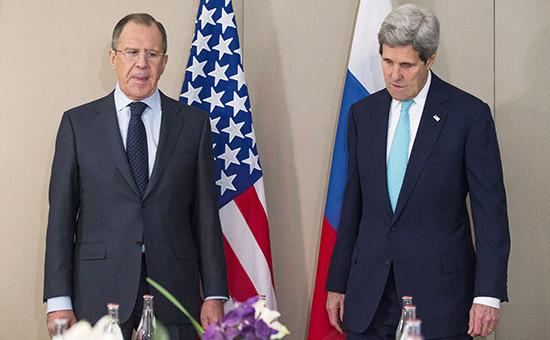 Министр иностранных дел России Сергей Лавров и госсекретарь США Джон Керри во время встречи в Женеве 2 марта 2015 года