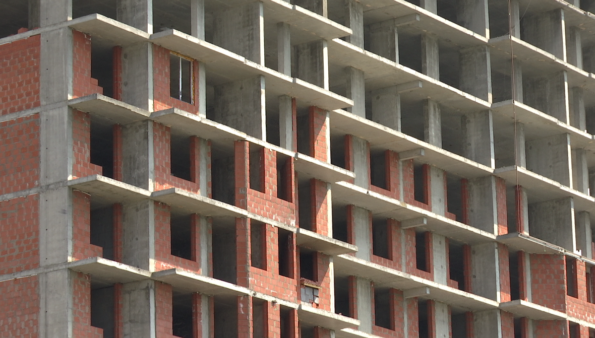 Объявлен аукцион на проект достройки проблемного дома на ул. КИМ