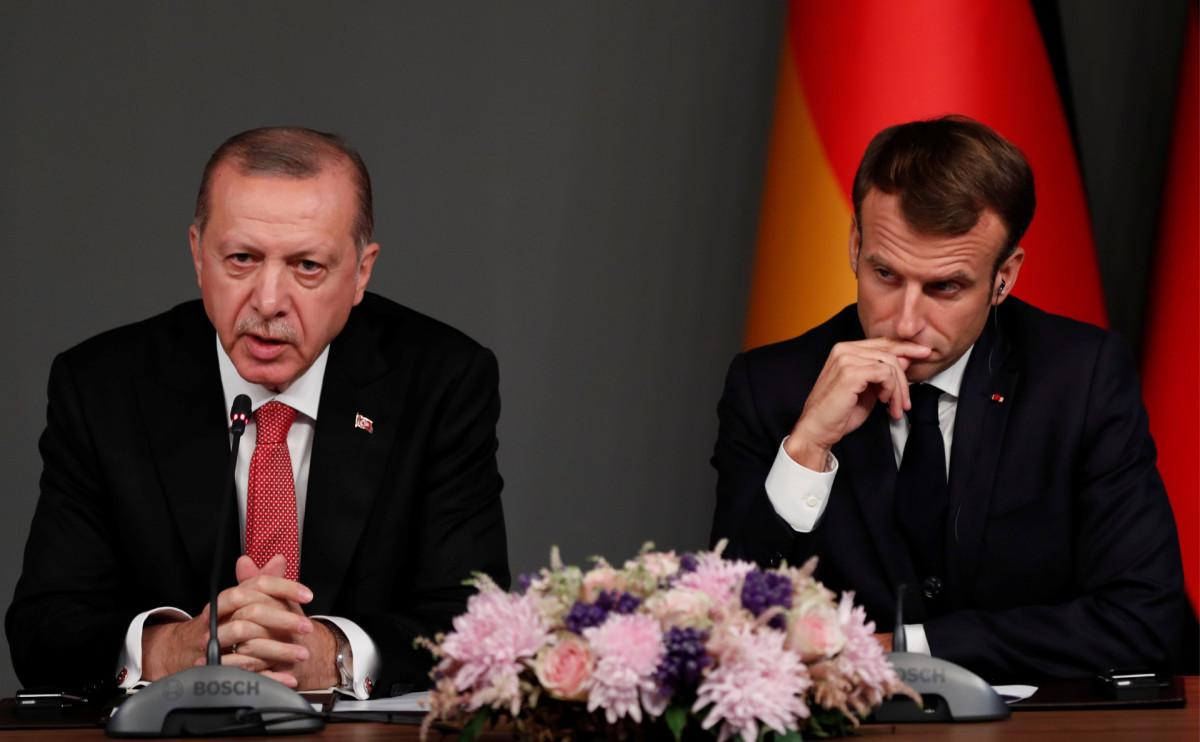 Президенты Турции и Франции Реджеп Тайип Эрдоган и Эмманюэль Макрон