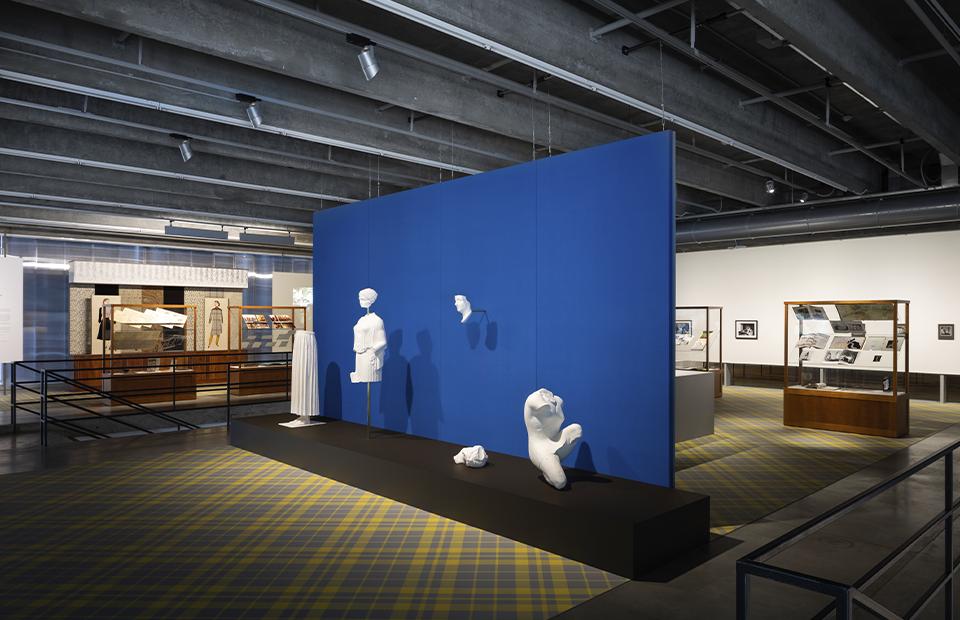 Выставка Atelier E. B «Прохожий» в Музее современного искусства «Гараж»