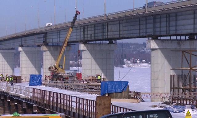На Чусовском мосту завершено строительство первой опоры