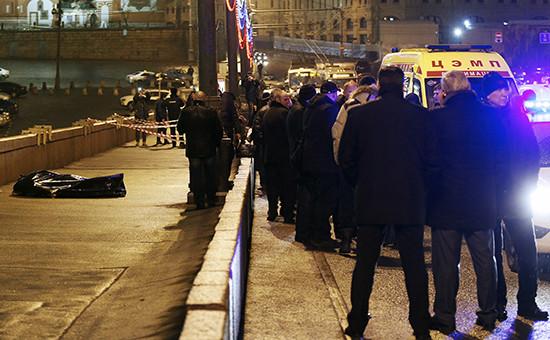 Место убийства политика Бориса Немцова на Большом Москворецком мосту