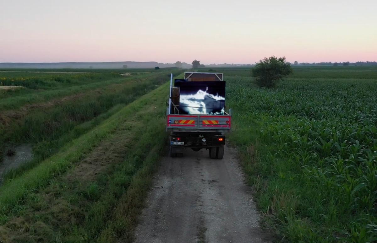 Кадр из фильма «Возвращение домой. Марина Абрамович и ее дети»