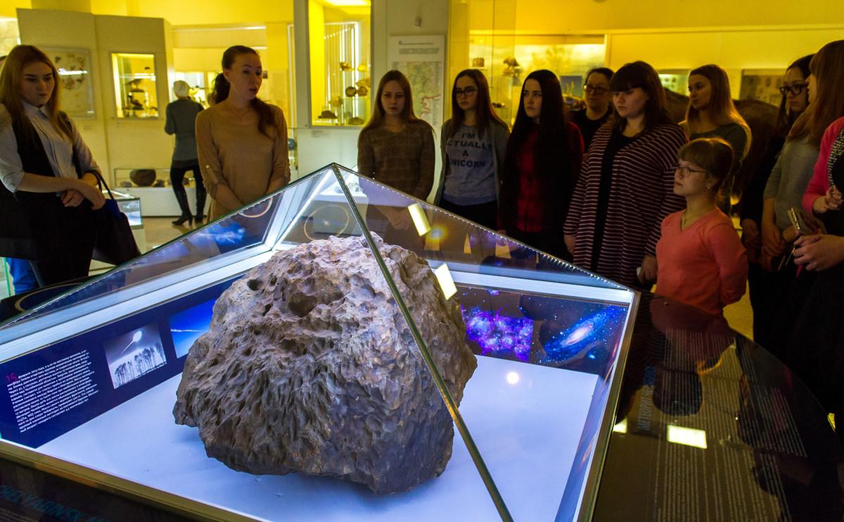 Метеорит «Челябинск» в Краеведческом музее в Челябинске