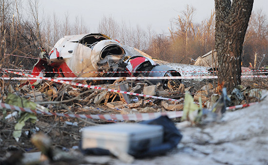 Обломки президентского самолета Ту-154. 2010 год