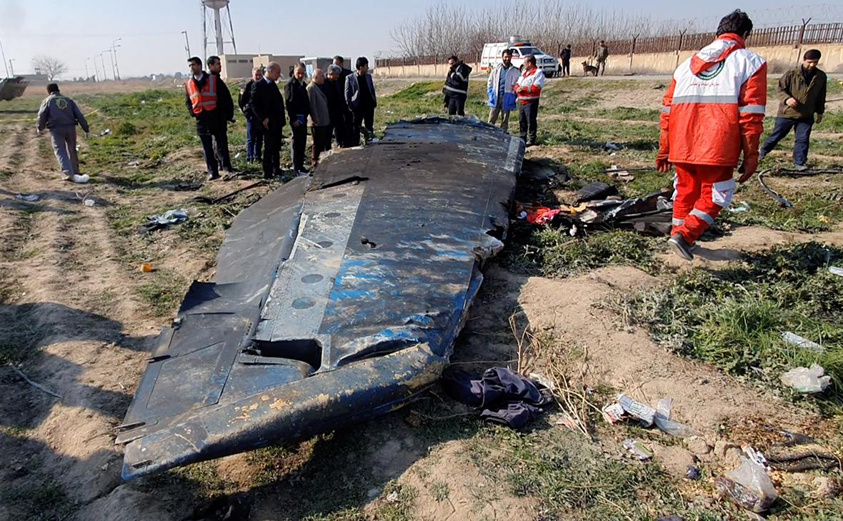 Обломкисамолета Boeing 737-800, 2020 год