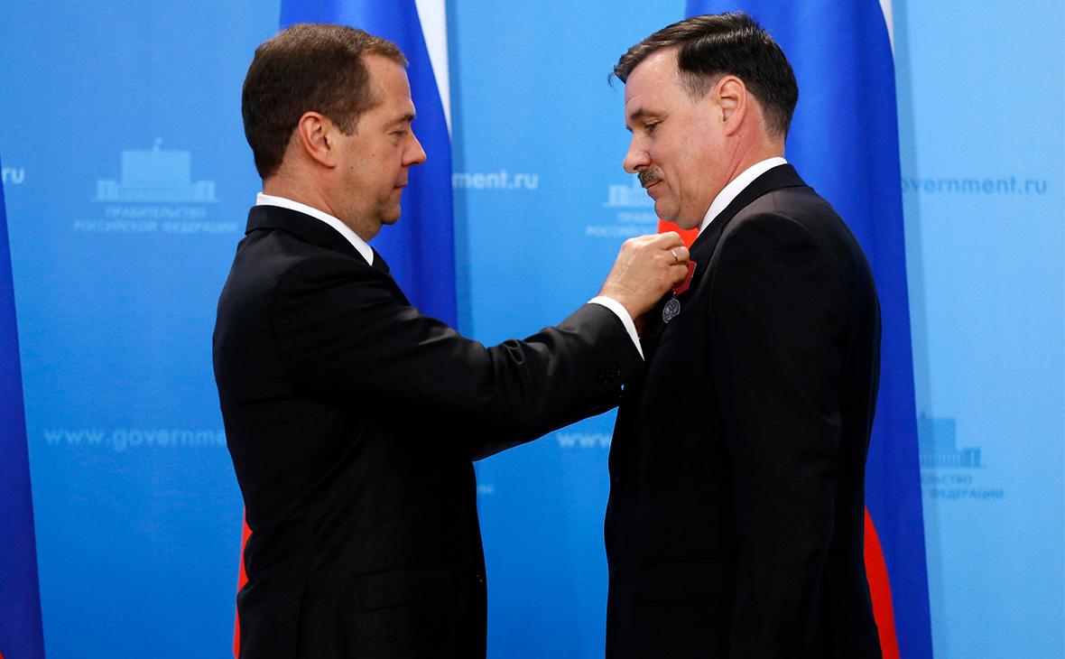 Дмитрий Медведев и Михаил Иванков (слева направо)
