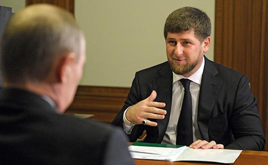 Президент России Владимир Путин (слева) иглава Чечни Рамзан Кадыров. 5 февраля 2013 года