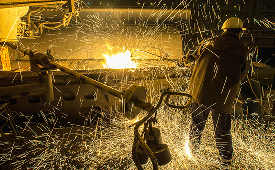 В цехе металлургического комбината