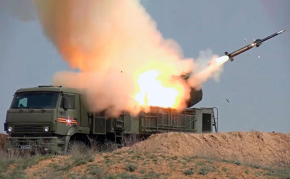 Самоходный зенитный ракетно-пушечный комплекс наземного базирования «Панцирь»