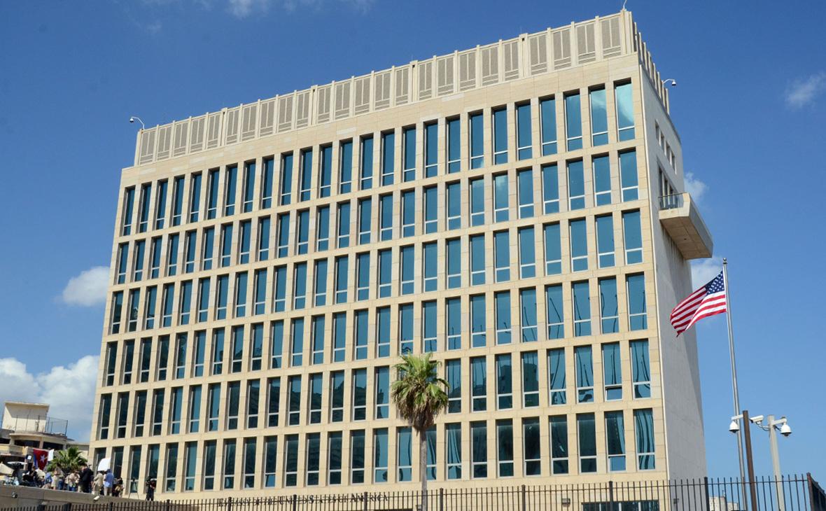 Здание посольства США в Гаване
