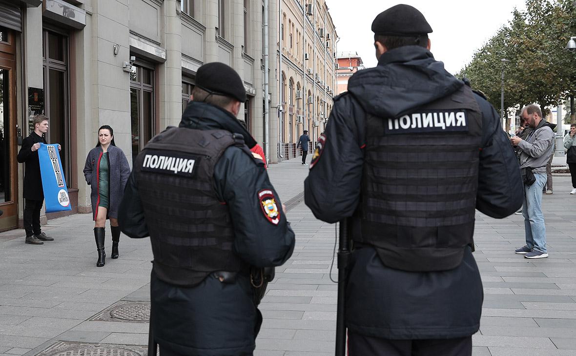 Пикеты в поддержку ПавлаУстинова в Москве