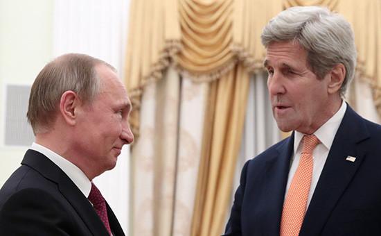 Президент РФ Владимир Путин и государственный секретарь США Джон Керри во время встречи в Кремле.