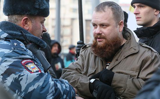 Лидер националистического объединения «Русские» Дмитрий Демушкин (справа)