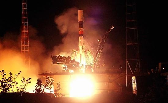 Запуск ракеты-носителя «Союз» сгрузовым транспортным кораблем«Прогресс» с космодрома Байконур