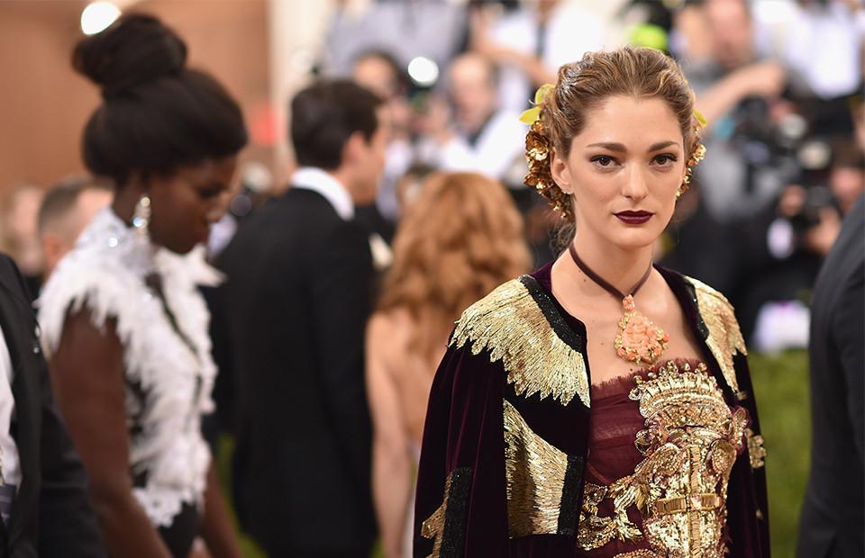 София Санчес де Бетак в Dolce&Gabbana Alta Moda