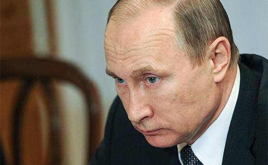 Президент России Владимир Путин во время совещания по развитию Амурской области