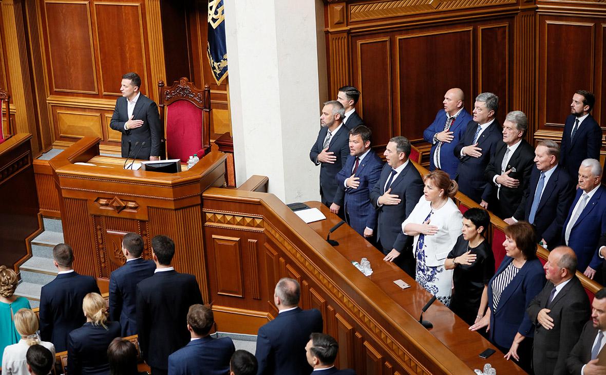 Владимир Зеленский на открытии заседания девятого созыва Верховной рады Украины в Киеве
