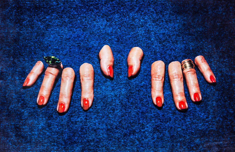 Ковер Fingers, совместная коллекция с порталом Toiletpaper, Seletti