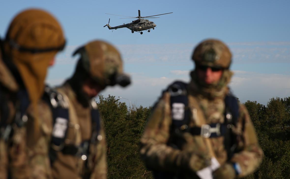 Военнослужащие участвуют в совместных учениях разведывательных подразделений Воздушно-десантных войск России и Сил специальных операций Белоруссии