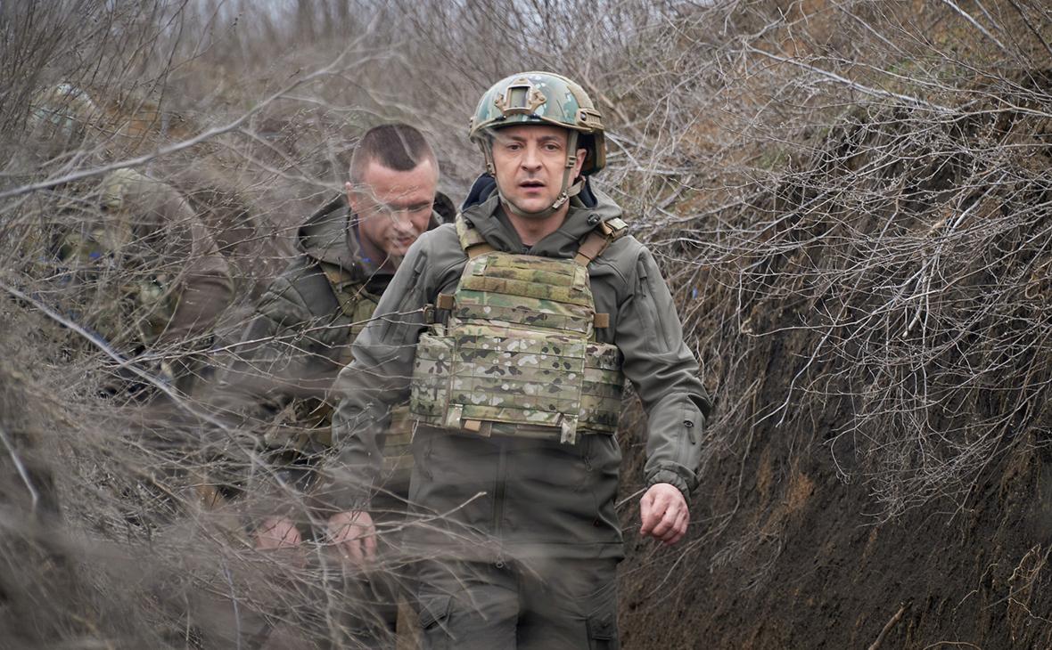 Зеленский попросил у Байдена помощи в «сдерживании» России