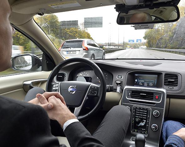 Фото: пресс-материалы Tesla's Autopilot System; Google; Tassphoto.com
