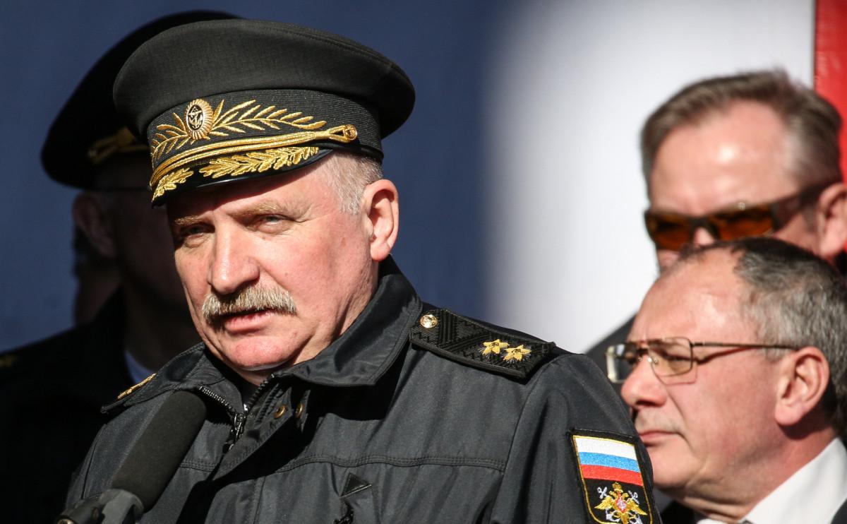 Алексей Буриличев (слева)