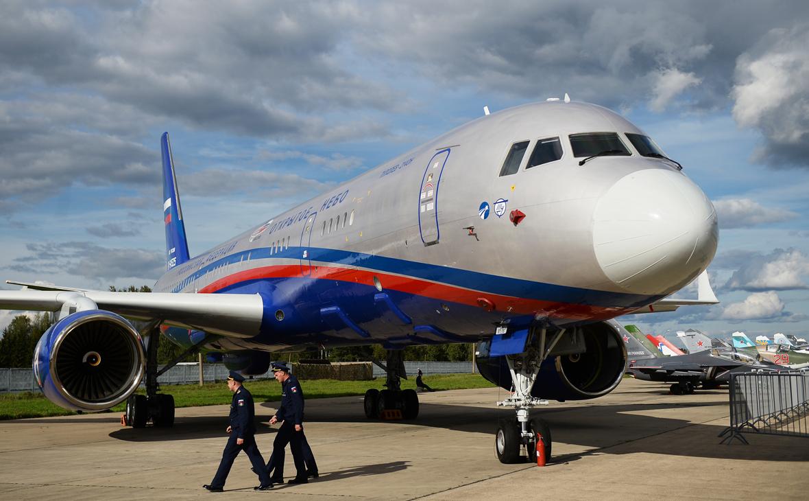 Самолет авиационного наблюдения Ту-214ОН