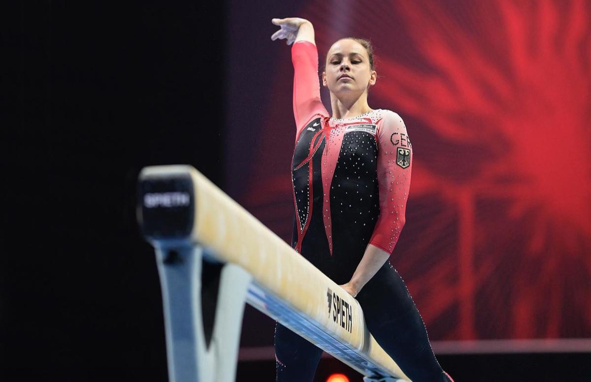 Сара Восс на чемпионате Европы по спортивной гимнастике в Базеле, апрель 2021