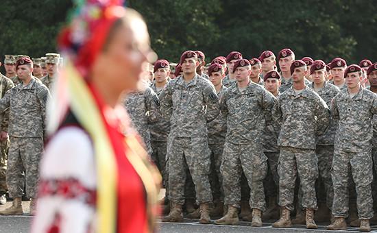 Десантники 173-й бригады армии США во время двусторонних военных учений между США и Украиной в сентябре 2014-го