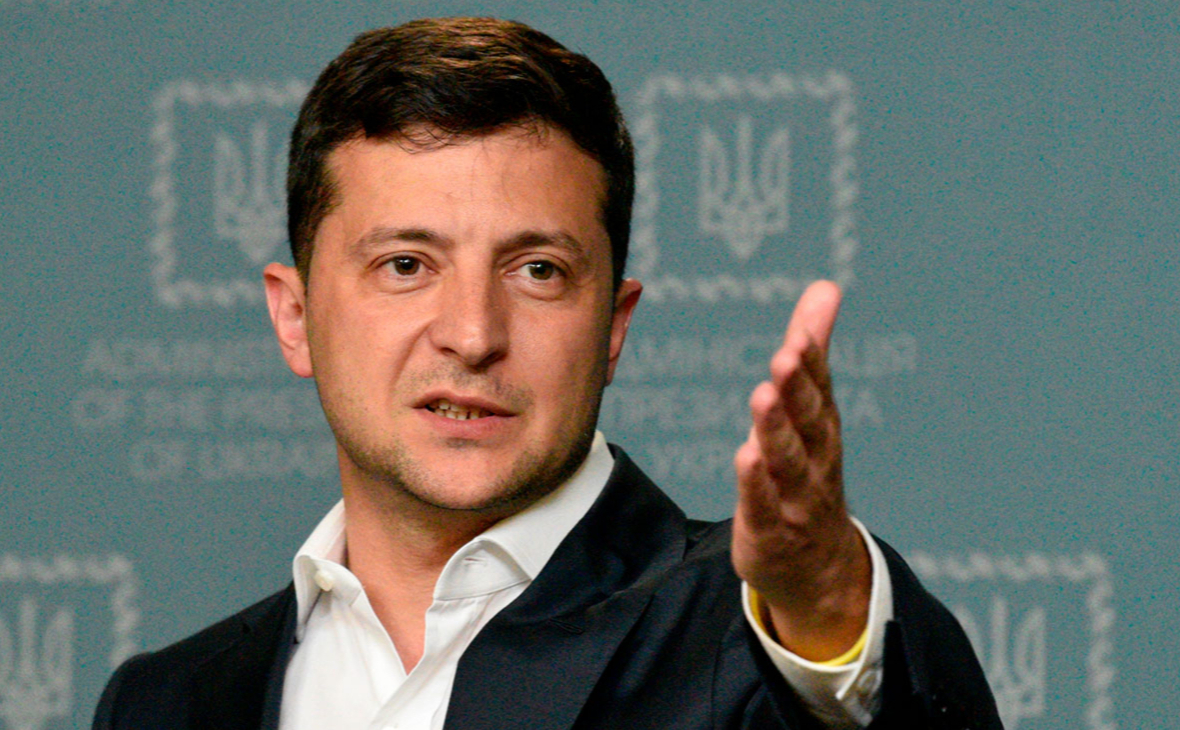 Зеленский объяснил борьбу с олигархами словами «Украина дает сдачи»
